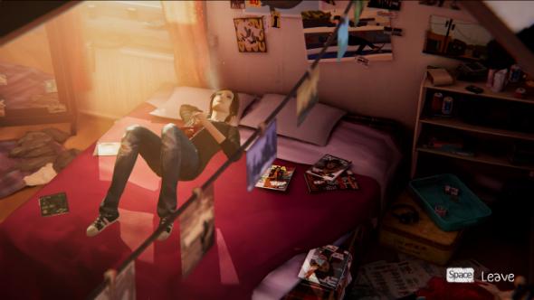 Хлоя лежит на кровати в Life is Strange: Before the Storm