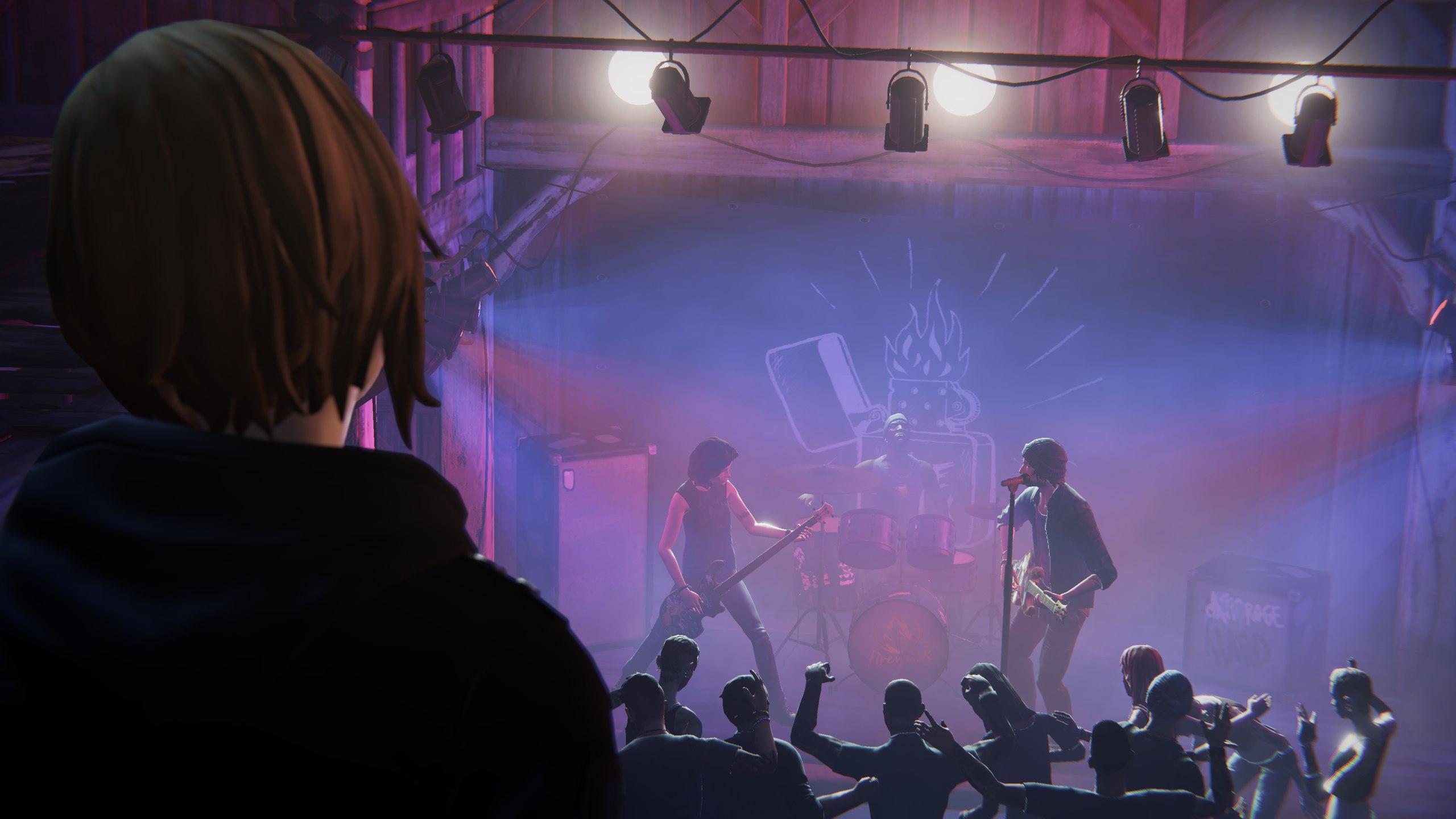 Хлоя Прайс на концерте группы Firewalk