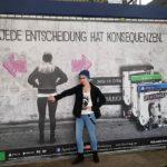 Рекламный щит Before the Storm в Гамбурге